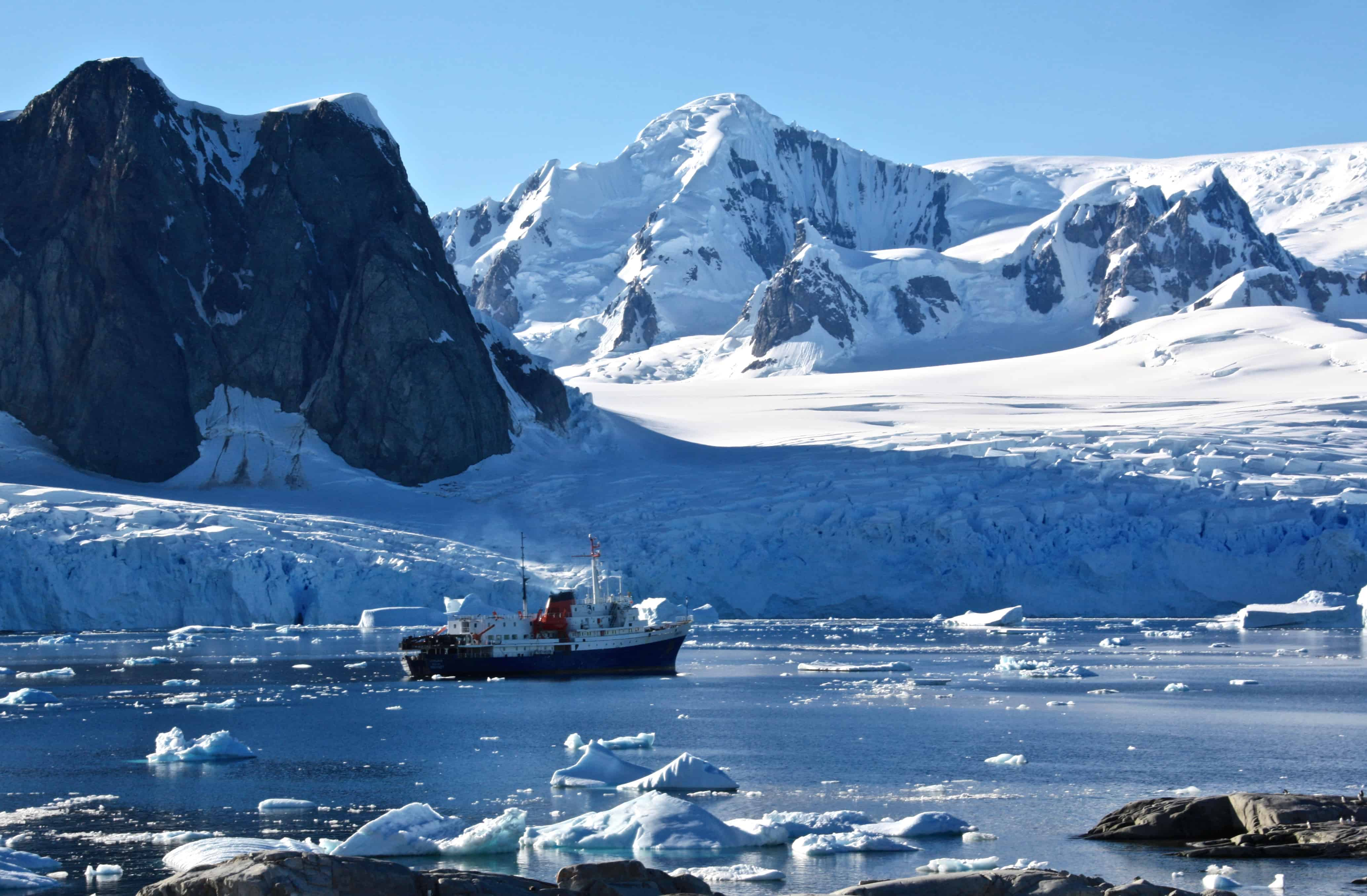 10 reasons why an antarctic cruise is the adventure of a for Antarctica places to stay