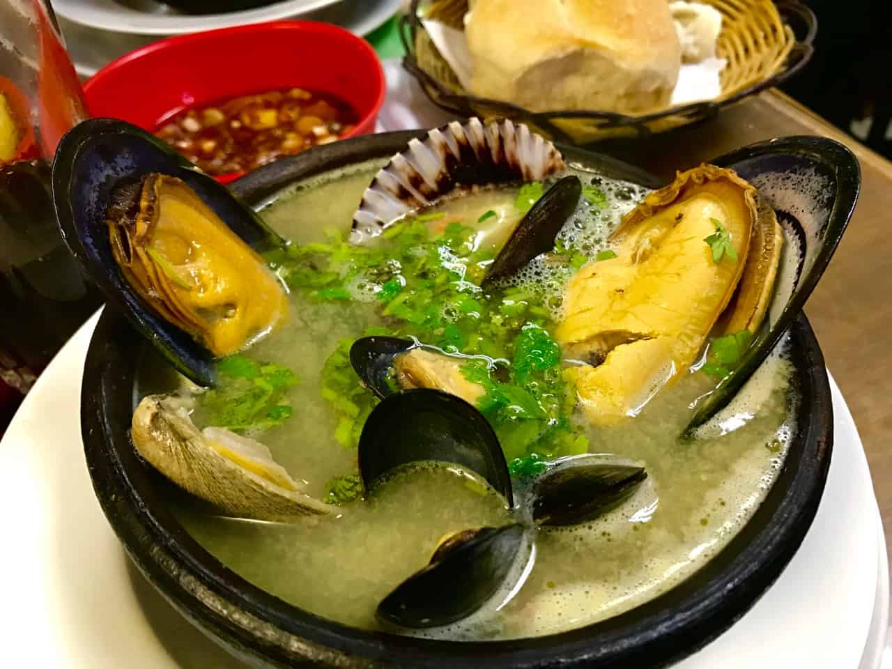 Things to do in Santiago - A bowl of Paila Marina at Yiyi Restaurant in the Mercado Central in Santiago